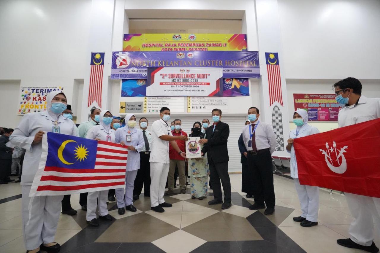 Laungan azan iringi petugas kesihatan berangkat ke Sabah